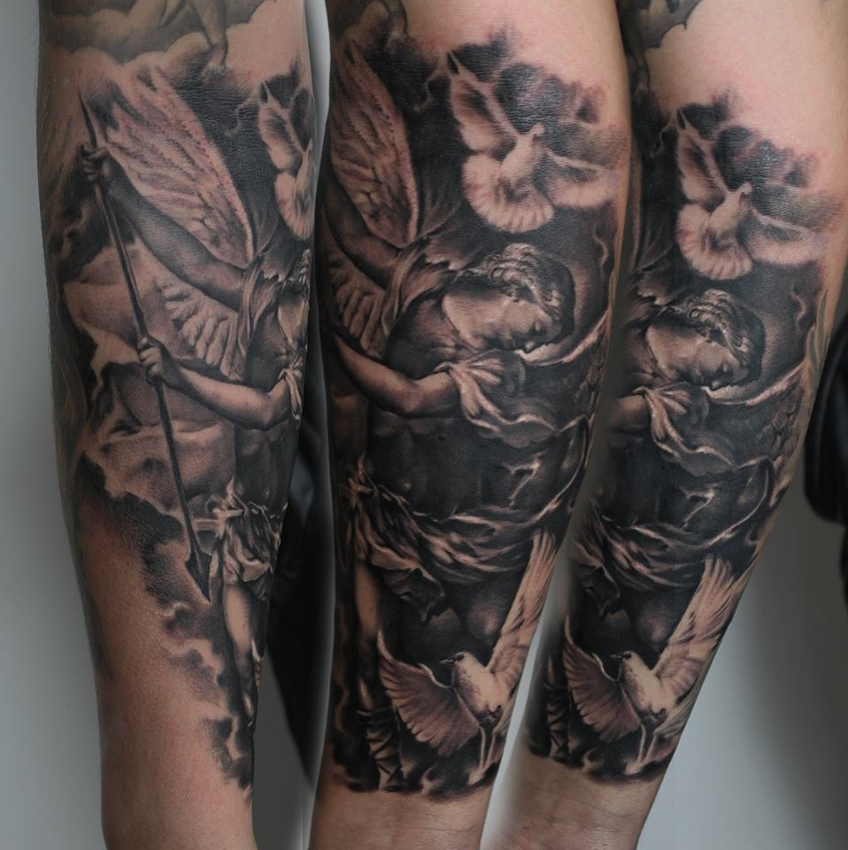 Reviews >> Edgar Ivanov Studios » InkLocations | Discover amazing tattoo studios in your area!