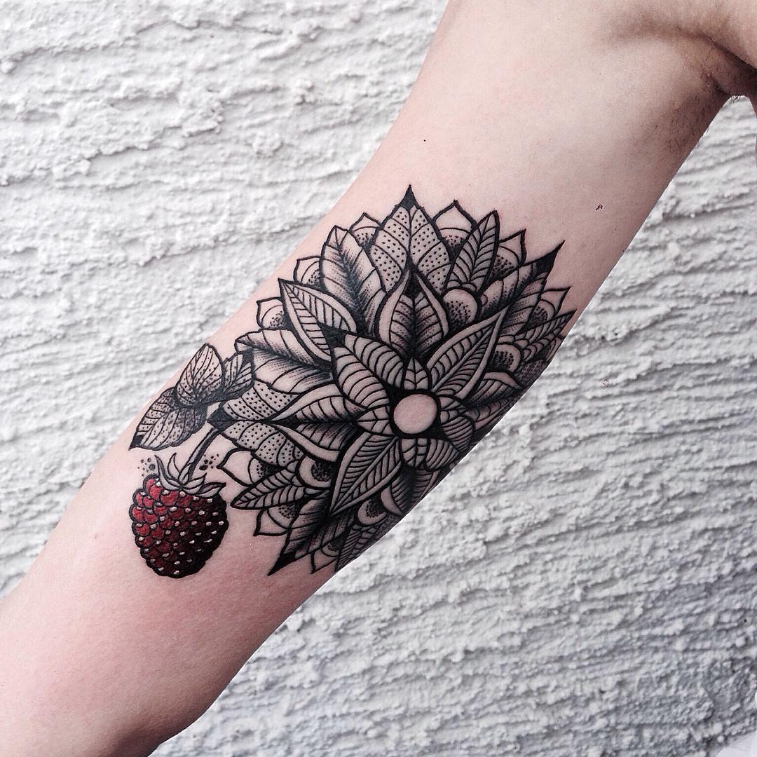 Jessica Svartvit Tattoo- Find the best tattoo artists ...